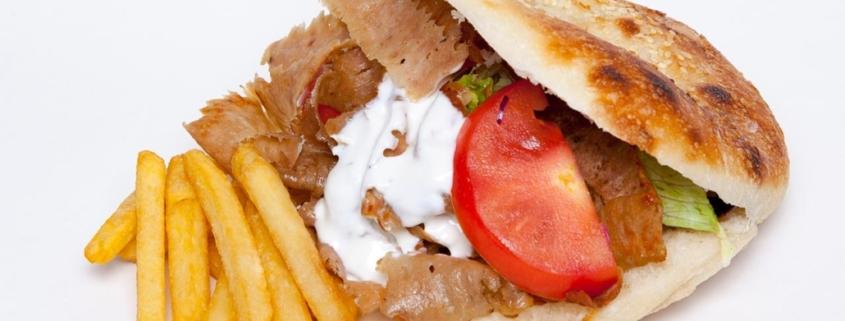 Döner Kebab Gyros (hausgemachtes Sandwich Brot) mit Kalbfleisch
